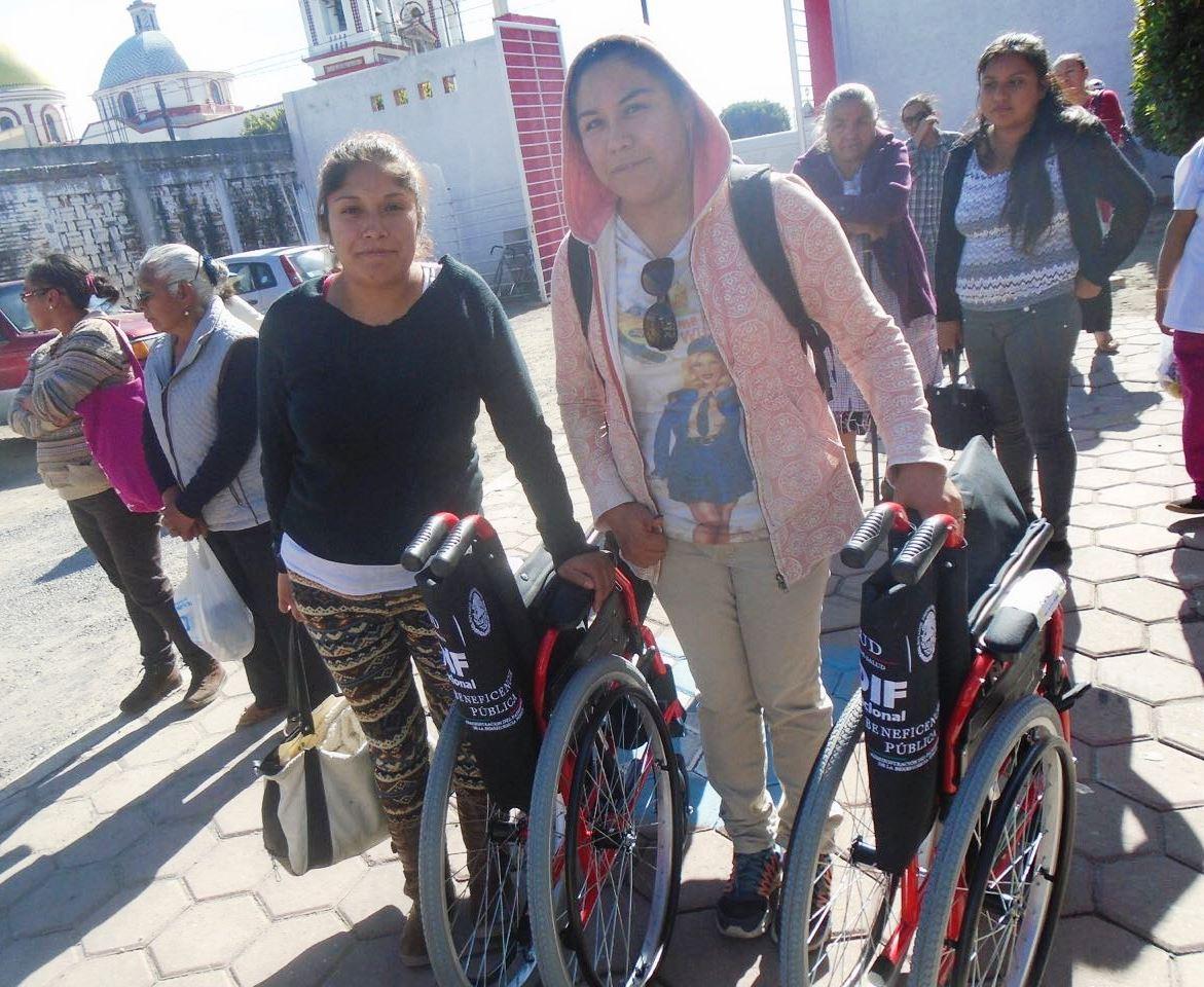 Beneficia Gobierno del Estado y SMDIF a personas con discapacidad