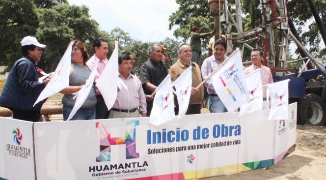 Pone en marcha Alejandro Aguilar López trabajos de perforación de pozo en comunidad de Huamantla