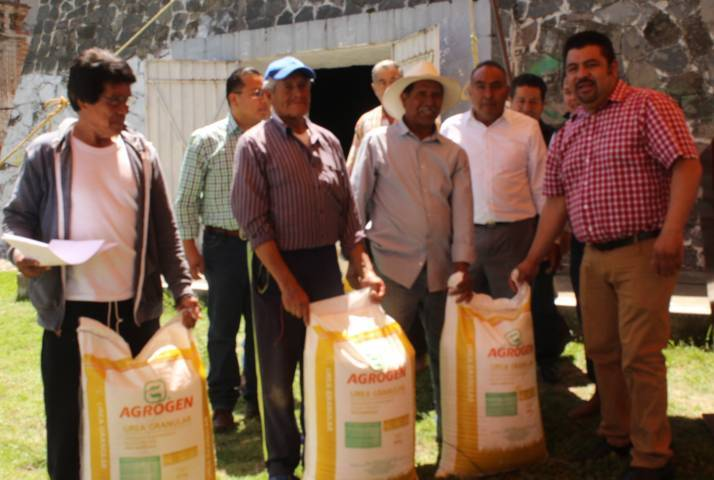 Gobierno de Tepetitla inicia la entrega de fertilizante