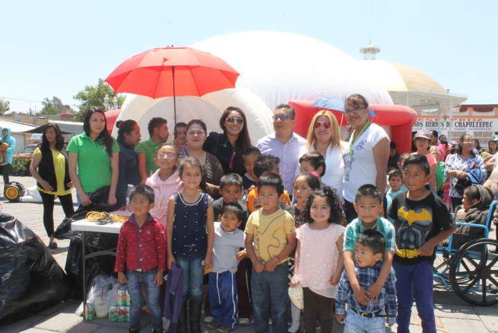 Con gran éxito los niños vivieron el cine móvil en Amaxac