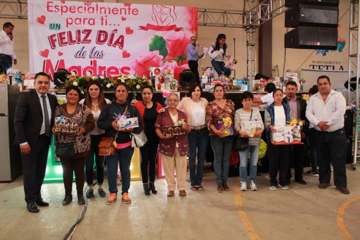 Tetla de la Solidaridad festejo a Mamás en su día