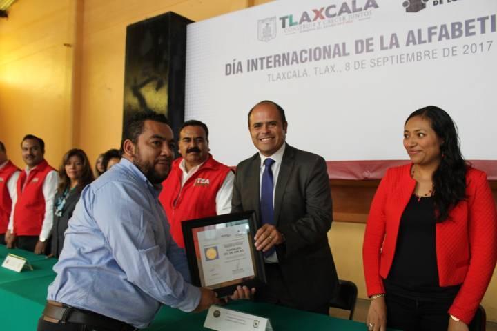 Celebran en Santa Cruz  Tlaxcala Día Mundial de la Alfabetización