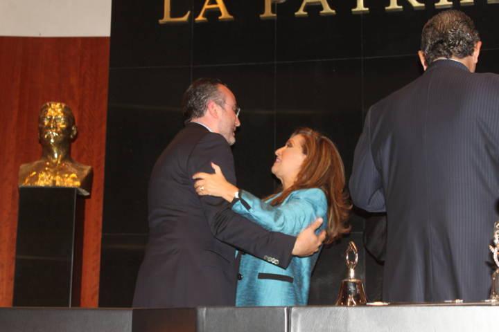 Destacado trabajo de Lorena Cuéllar en la Mesa Directiva del Senado