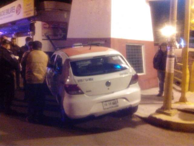 Detienen Policía de Chiautempan y CES a presuntos ladrones de un taxi