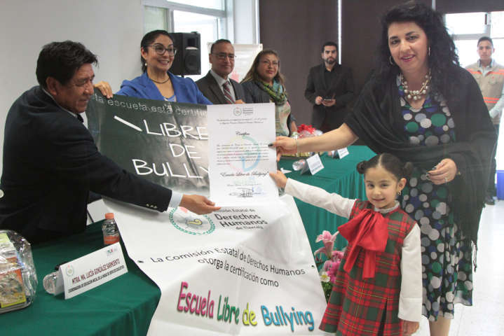Reciben seis CENDI certificado de instituciones libres de bullying