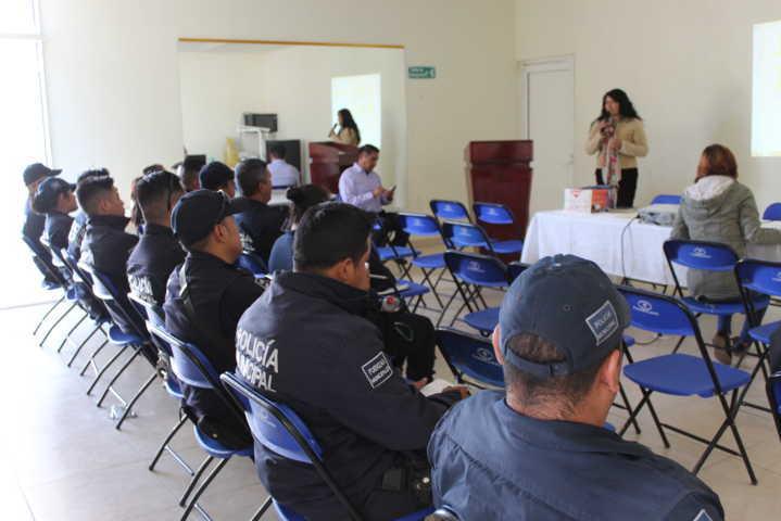 Imparte CEDH conferencia a policías de Tepetitla de Lardizábal en materia de derechos humanos