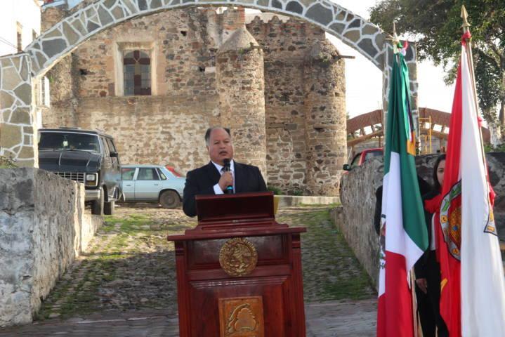 Alcalde encabeza fijación del Bando Solemne y da inicio el mes patrio