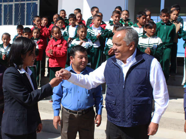 Entrega JAAL aula de medios en comunidad de Huamantla