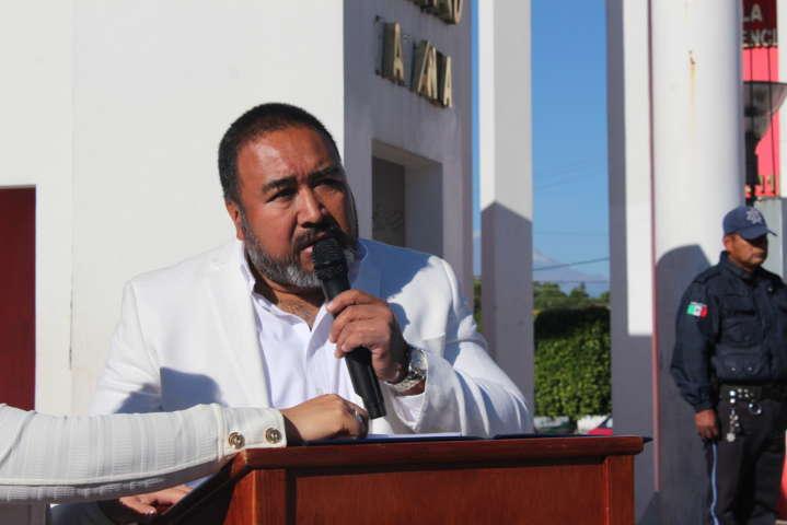 Homenaje por 211 años del natalicio de Benito Juárez en Xicohtzinco