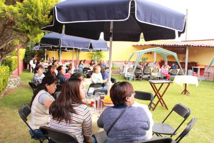 Policía Municipal de Tetla celebra día de las madres