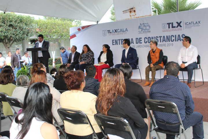 305 personas recibieron constancias por concluir cursos en Tepetitla