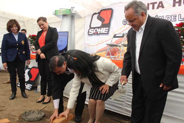 Alcalde de Huamantla acude a ceremonia de primera piedra de la empresa SOHE