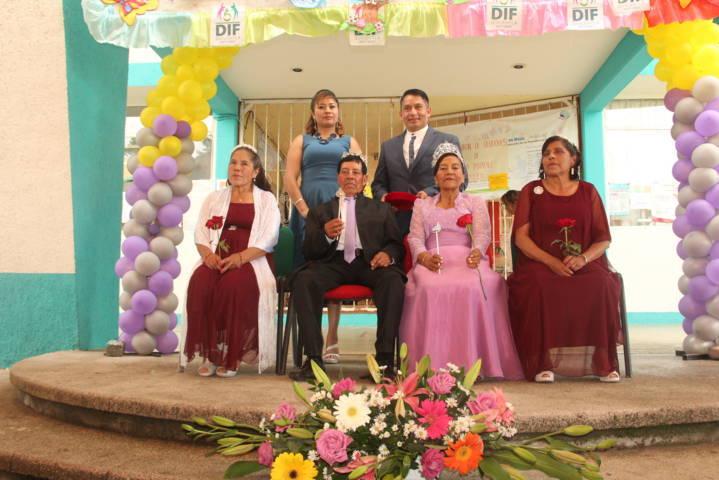 Abuelitos de Quilehtla disfrutaron su día con el tradicional Xochipitzahuatl