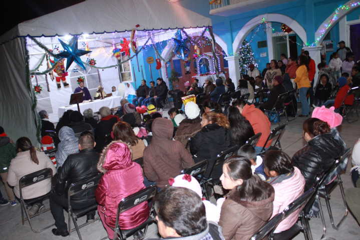 Alcalde de Teacalco impulsa las tradiciones de las posadas navideñas