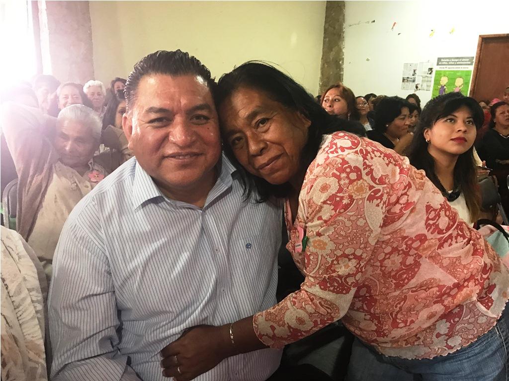 Anuncia Eloy Reyes impulso a proyectos para la mujer, en día de la madre