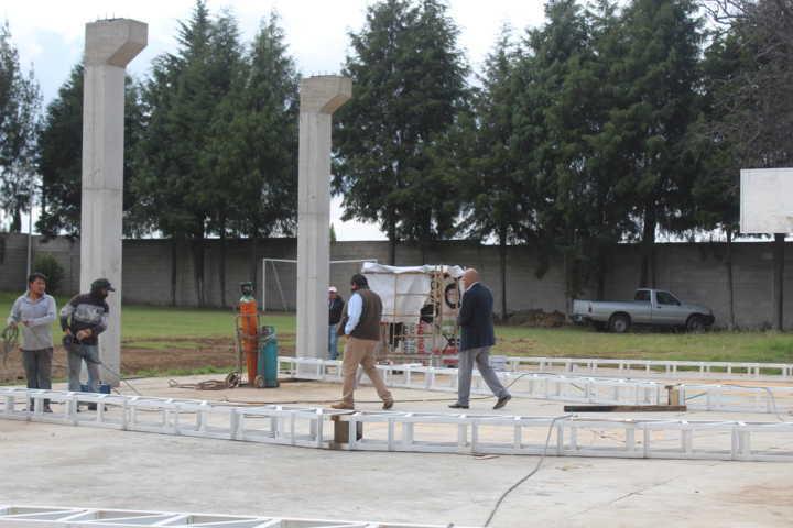 50 por ciento de avance en construcción de techumbre del Cobat 12 de Santa Cruz Tlaxcala