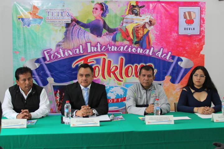 Por primera vez se presenta el festival internacional del folklore en Tetla de la solidaridad