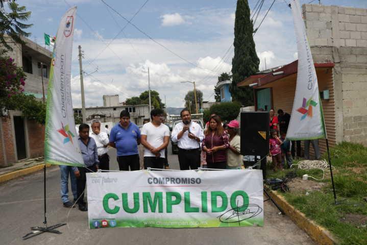 Alcalde beneficia a Xaxala con 2 obras de servicios básicos