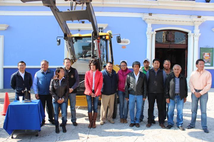 Adquiere Ayuntamiento de Huamantla Maquinaria para realizar obra pública