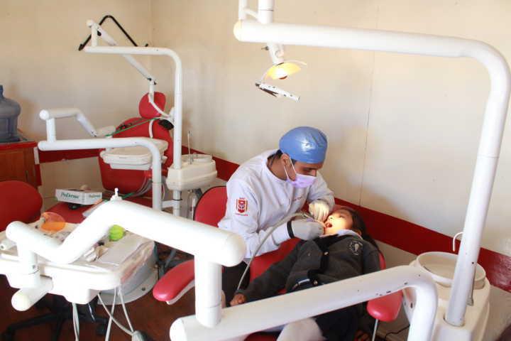 Llevan a cabo programa para eliminar caries en Tetla