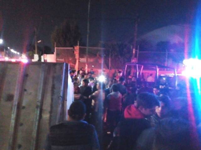 Accidente provocado por policías enardece población de San Pablo del Monte