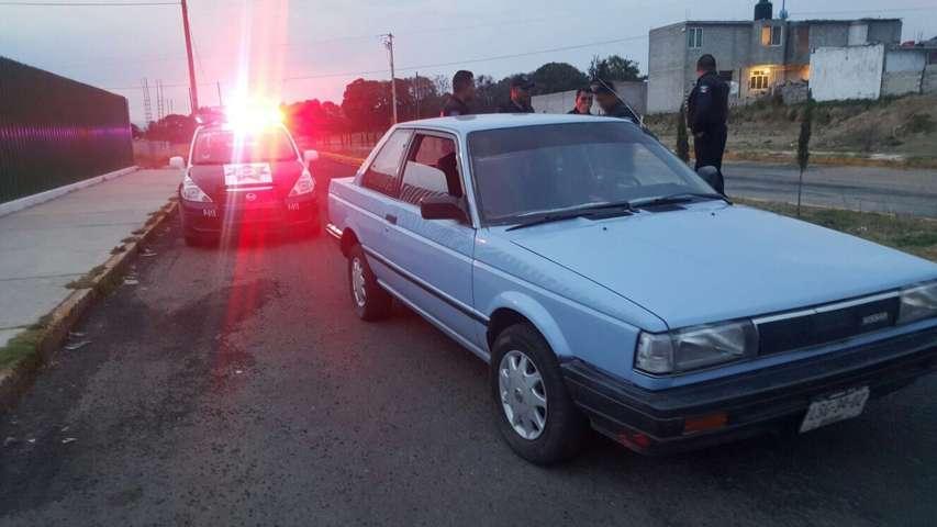 Seguridad Pública de Chiautempan frustra robo de vehículo Nissan