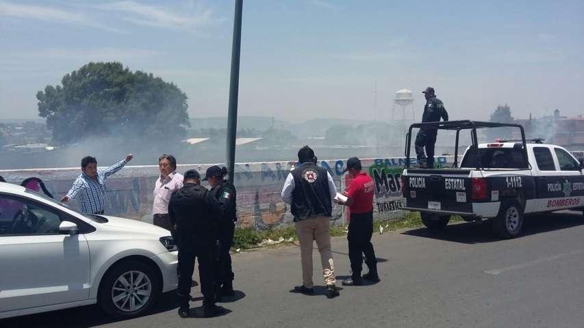 Protección Civil de Chiautempan sofoca incendio cerca de la Unidad Panzacola