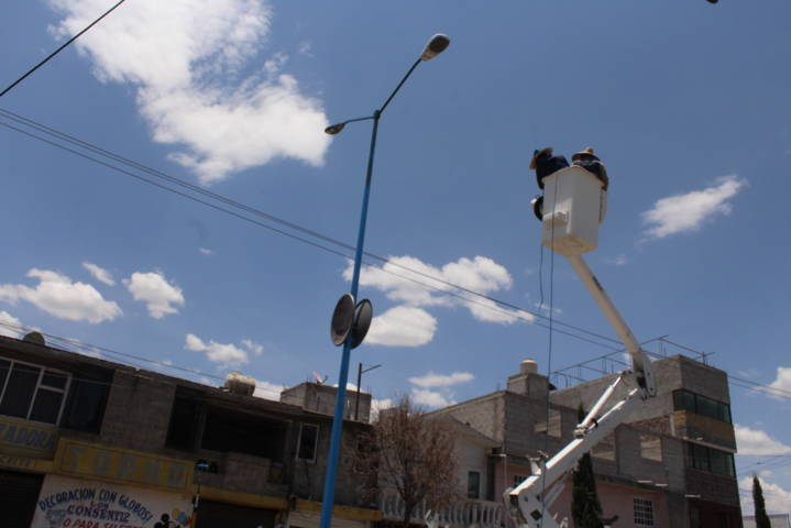 Arranca programa de cambio de luminarias en Lardizábal