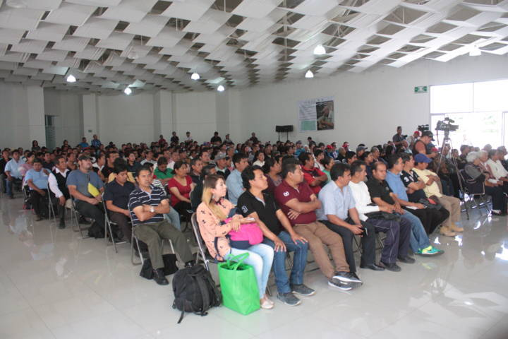 Resalta alcalde Cutberto Cano apoyo federal a artesanos de San Pablo del Monte
