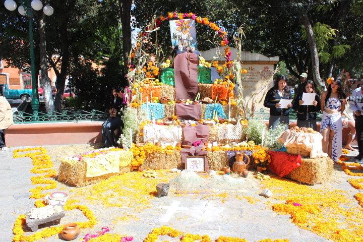 Huamantla sede del concurso estatal de ofrendas de día de muertos de la DGETI