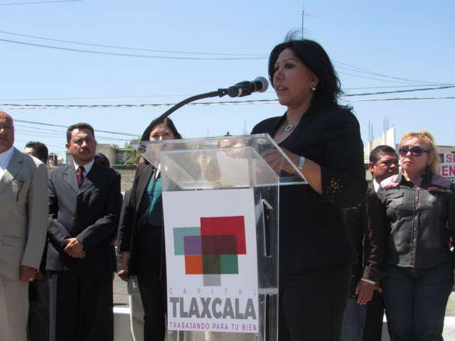 Anabell hace un llamado de unidad durante el Día de la Bandera