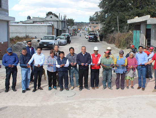 Entrega Alcalde de Huamantla obras en Xicoténcatl