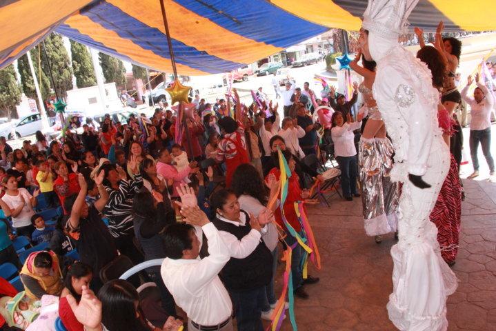 Xaloztoc celebra el día de la familia y a la mujer