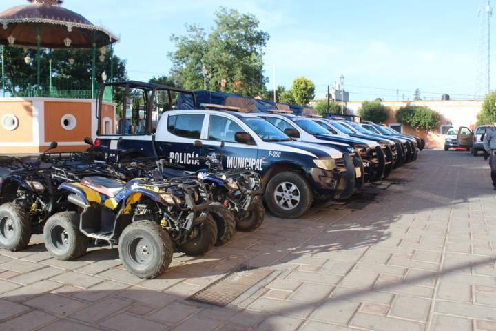 Policía municipal en persecución detienen a presunto ladrón de primaria