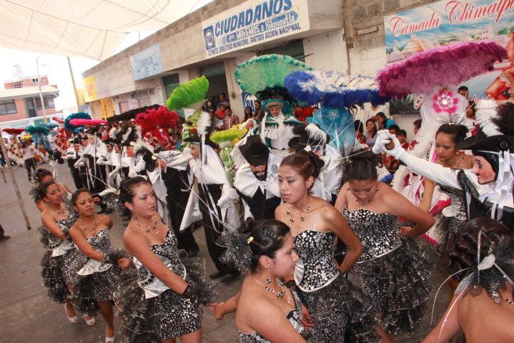 """Exitoso inicio de carnaval de la camada """"Chimalpa"""""""