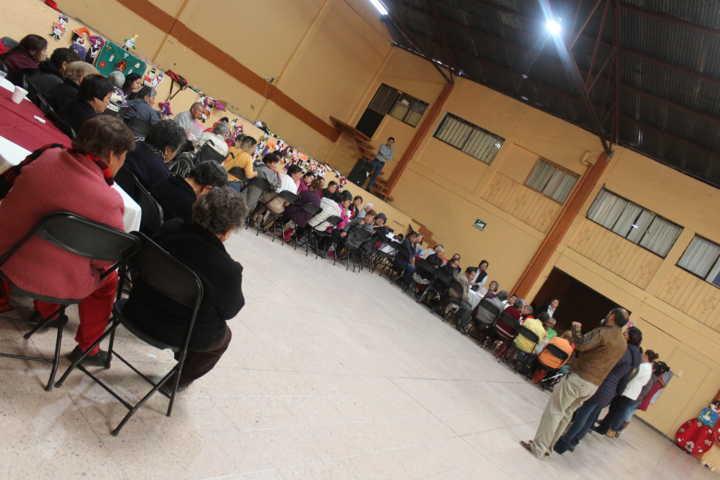 SMDIF de Santa Cruz Tlaxcala realiza convivio para adultos mayores