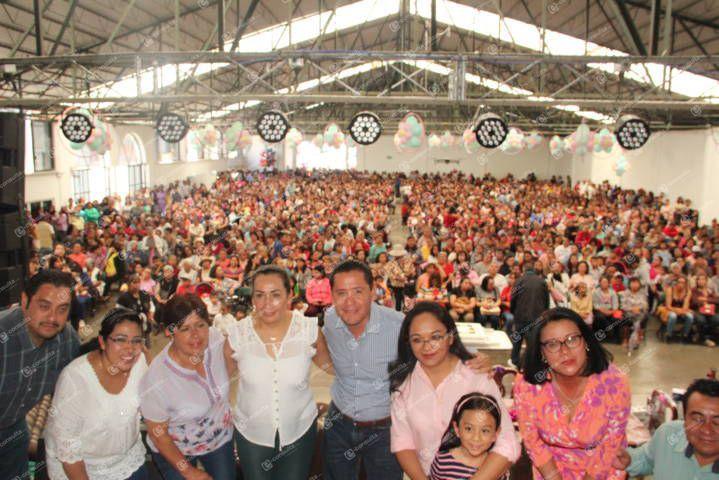 Ayuntamiento y SMDIF de Nanacamilpa festejaron a las mamás en su día