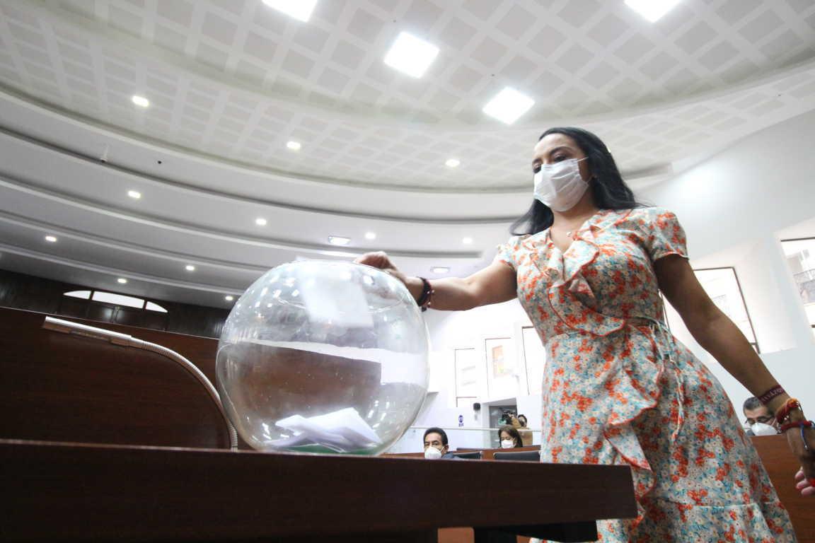 Asume Mayra Vázquez la segunda secretaría de la comisión permanente