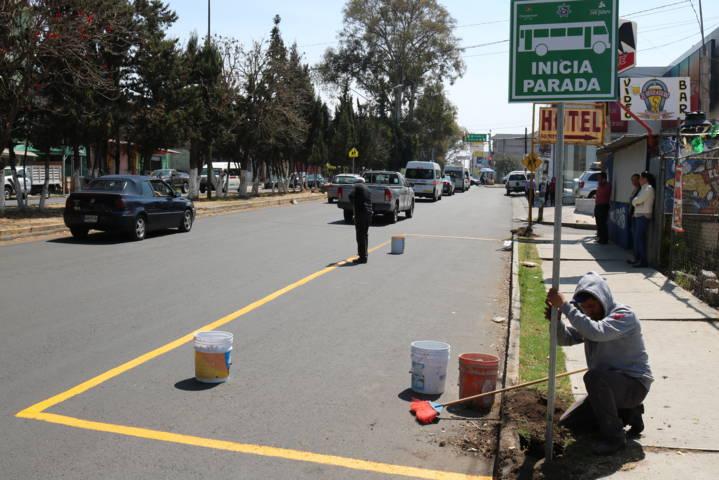 Inician colocación de señaléticas en paradas oficiales del municipio de Chiautempan