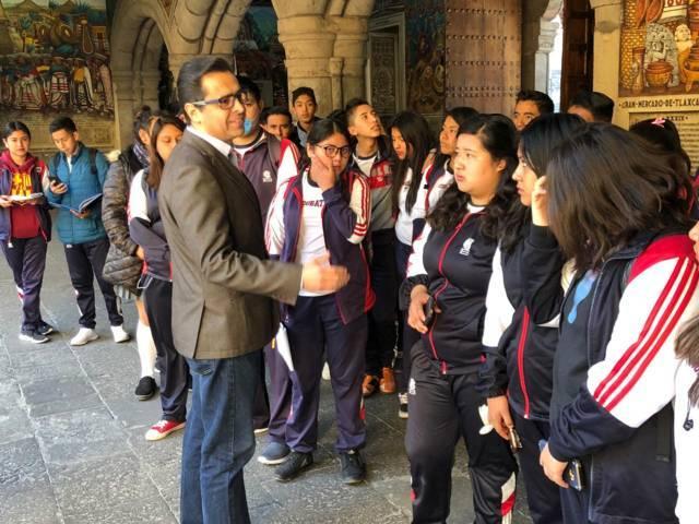 Promueve el COBAT recorridos de alumnos en sitios históricos de la capital