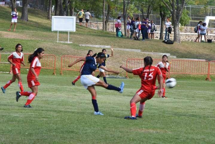 Cae equipo femenil de fútbol ante el anfitrión en la Olimpiada