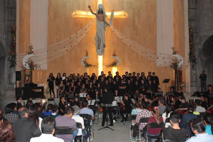 Se presenta orquesta de la BUAP en parroquia del Cristo Resucitado de Tlaltepango