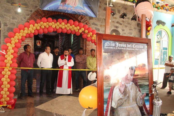 """Roban parte de la corona de oro del """"Niño Jesús del Cerrito"""" en Nopalucan"""
