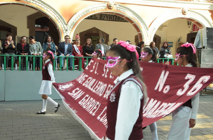 Presenta SEPE USET colorido desfile de carnaval
