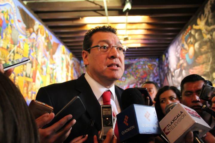 Cada vez cuestan más las elecciones, opina el gobernador Mena