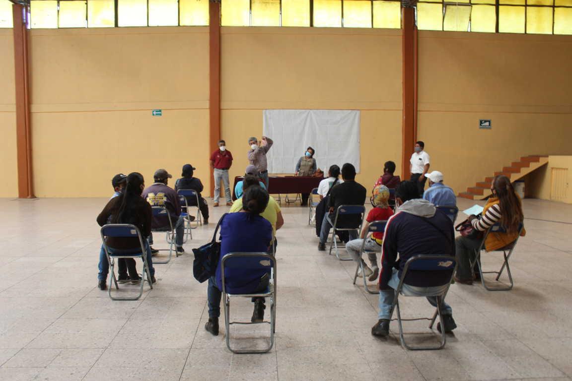 Entregan apoyos del programa para construir juntos en Santa Cruz Tlaxcala