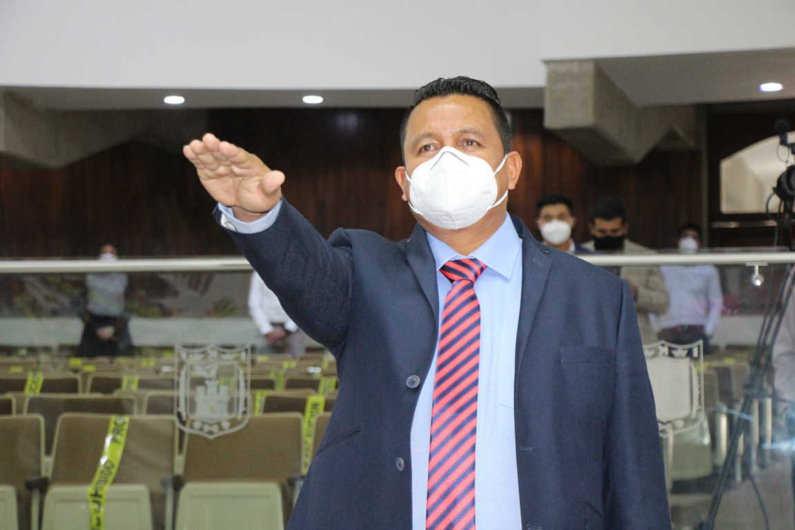 Toma cargo Luis Alvarado como suplente de Miguel Piedras en el Congreso