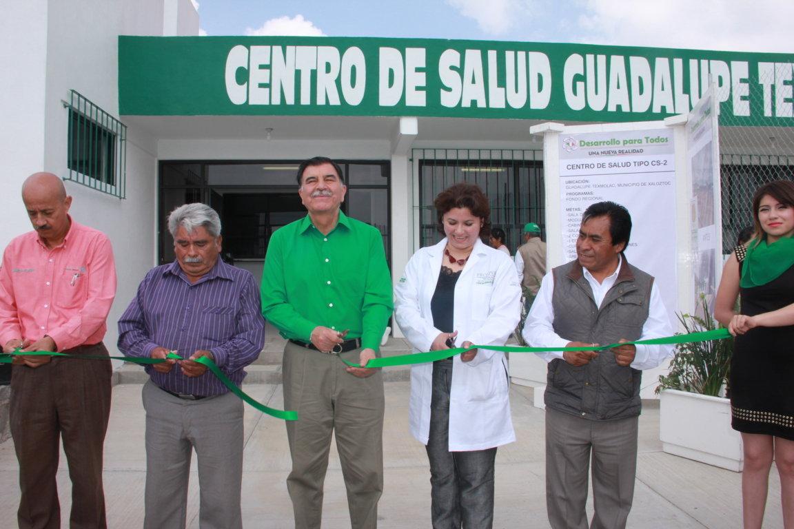 El mandatario estatal realiza gira de trabajo por el municipio de Xaloztoc
