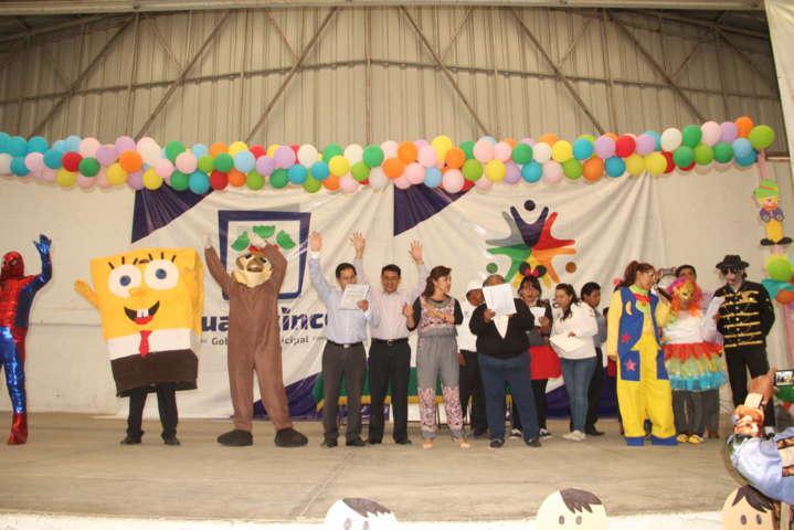 Festejan en grande a los niños en su día, Ayuntamiento y SMDIF