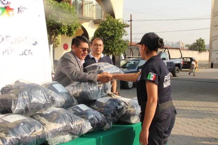 Con un buen desempeño la policía recupera la confianza de los pobladores: alcalde